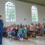 Zingen van het Vakantie Bijbel Club lied